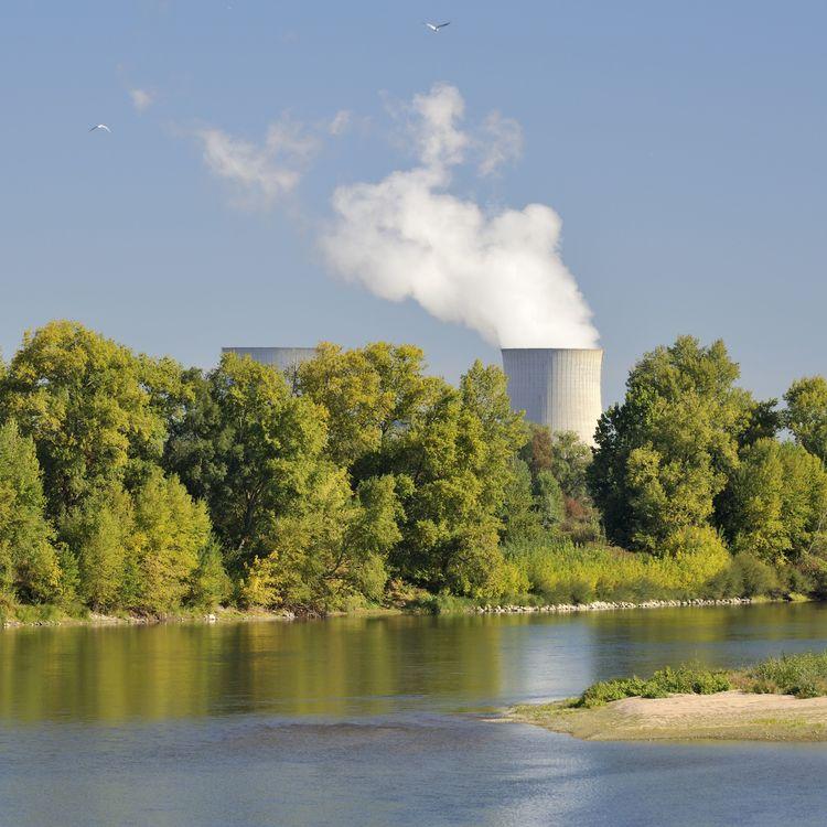 La centrale nucléaire de Saint-Laurent-Nouan (Loir-et-Cher) au bord de la Loire, le 26 septembre 2018. (SOBERKA RICHARD / HEMIS.FR / AFP)