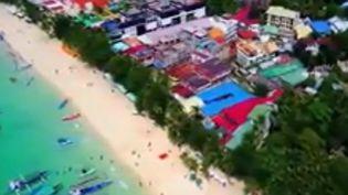 """L'île de Boracay (Philippines) s'est transformée en """"fosse septique"""", selon le président Rodrigo Duterte. Le leader philippin a décidé d'interdire l'accès aux touristes. (FRANCE 2)"""