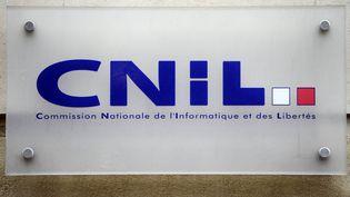 La Cnil a annoncé, le 9 août 2018, qu'elle allait enquêter sur les données d'une étude controversée concernant l'affaire Benalla. (LIONEL BONAVENTURE / AFP)