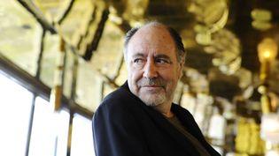 Michel Delpech, une carrière marquée par les succès et les traversées du désert mais aussi par un vrai attachement du public à cet artiste populaire et touchant.  (JEROME MARS/JDD/SIPA)