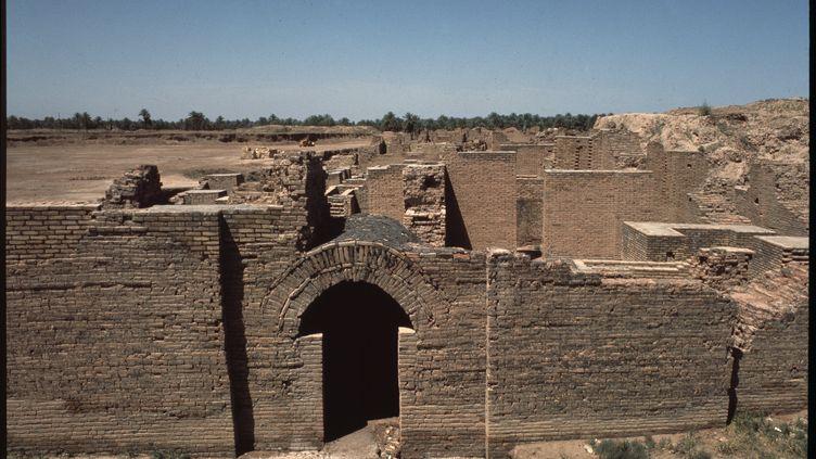 Vue des ruines de la Porte du palais sud, cite inferieure de Babylone, 580 avant JC, Irak (leemage/AFP)
