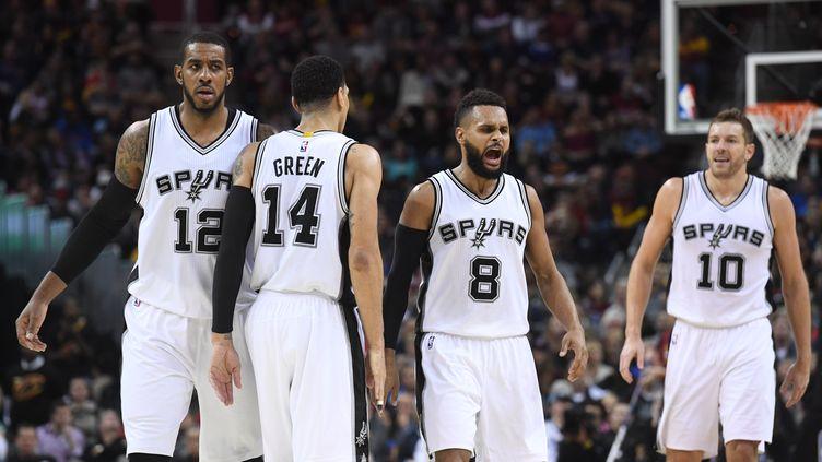 Le collectif des Spurs fait merveille (JASON MILLER / GETTY IMAGES NORTH AMERICA)