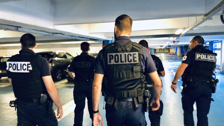 Patrouille de la police de sécurité du quotidien (PSQ) - illustration (MATTHIEU MONDOLONI / FRANCE-INFO)