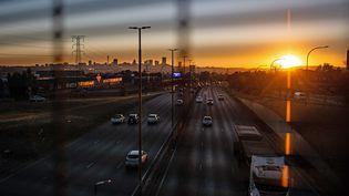 Une autoroute de laville de Johannesburg, en Afrique du Sud, le 28 juin 2021. (CHINE NOUVELLE / SIPA / XINHUA / AFP)
