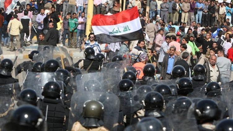Manifestation contre le gouvernement dans la capitale irakienne, Bagdad, le 25 févier 2011 (AFP/AHMAD AL-RUBAYE)