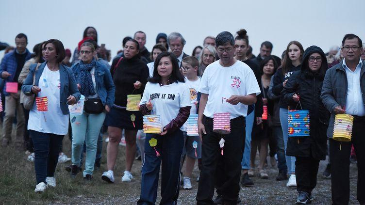 Les parents de Sophie Le Tan lors d'une marche en hommageà l'étudiante, le 7 septembre 2019 àMundolsheim (Bas-Rhin). (FREDERICK FLORIN / AFP)