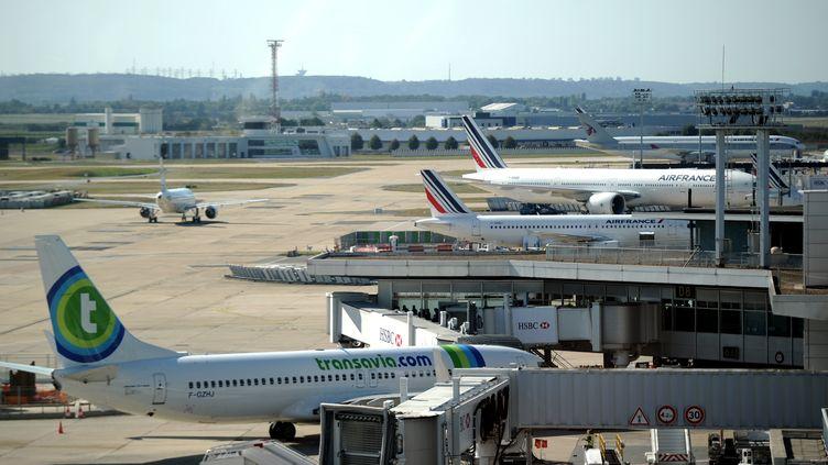 Des avions sur le tarmac de l'aéroport d'Orly, près de Paris, le 15 septembre 2014. (STEPHANE DE SAKUTIN / AFP)