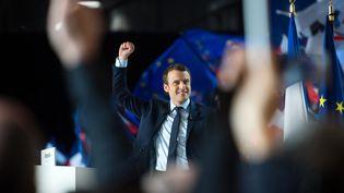 Emmanuel Macron, en meeting à Marseille (Bouches-du-Rhône), samedi 1er avril 2017. (BERTRAND LANGLOIS / AFP)