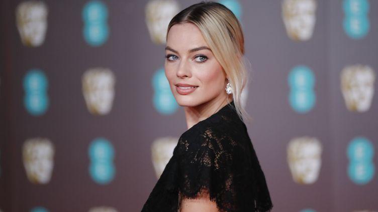 """Margot Robbie avait déjà collaboré avec Christina Hodson sur le film """"Birds of Prey"""". (TOLGA AKMEN / AFP)"""