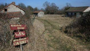 Monsieur Yoo a été en 2012 l'acheteur du village fantôme de Courbefy, en Haute-Vienne, situé sur la commune de Bussière-Galant.  (CHRISTIAN BELINGARD / FRANCE 3 LIMOUSIN)