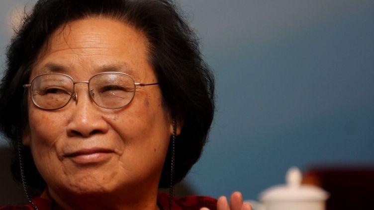 La pharmacologue chinoise Tu Youyou, co-lauréate du Nobel de médecine 2015. Photo prise le 15 novembre 2011, lors d'un évènement à l'Académie chinoise des sciences médicales(Academy of Chinese Medical Sciences)à Pékin (Chine). (JIN LIWANG / XINHUA)