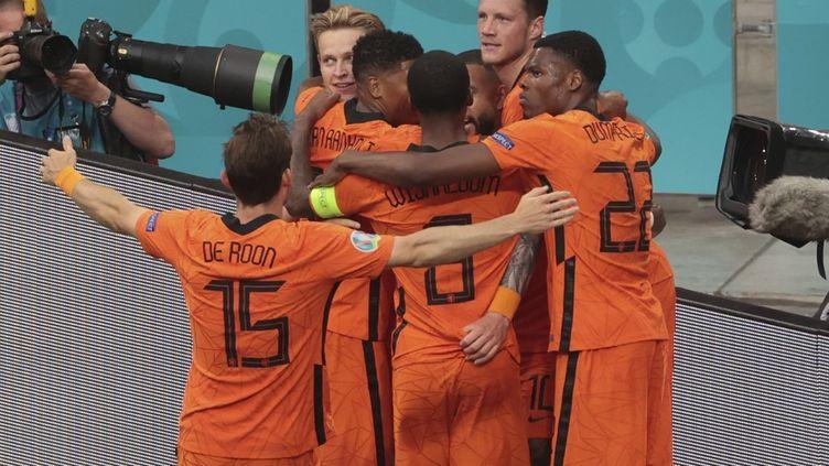 Les Pays-Bas sont assurés de se qualifier pour les huitièmes de finale de l'Euro. (DMITRIY GOLUBOVICH / ANADOLU AGENCY)