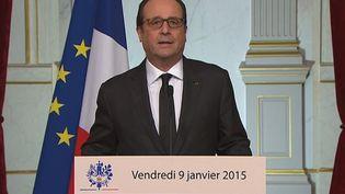 Capture d'écran montrant FrançoisHollande lors de son allocution après els deux prises d'otages le 9 janvier 2015 (FRANCE TELEVISIONS)