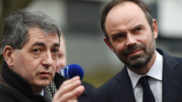Le président de la région Grand Est, Jean Rottner (gauche), avec le Premier ministre Edouard Philippe, en mars 2018. (FREDERICK FLORIN / AFP)