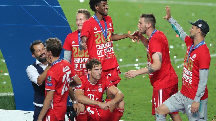 Les Bavarois célèbrent la victoire (MIGUEL A. LOPES / POOL)