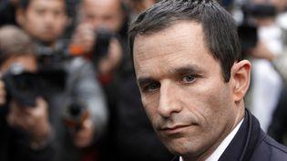 Benoit Hamon, porte-parole du PSau QG de transition de François Hollande à Paris le 7 mai 2012 (KENZO TRIBOUILLARD / AFP)