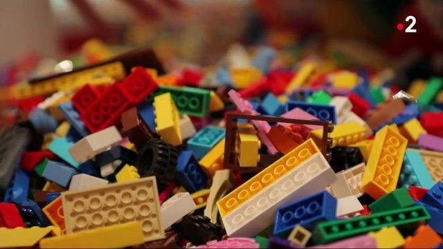 Jouets : les ventes de Lego explosent