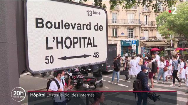 Hôpital : les internes en médecine manifestent et partagent leur détresse