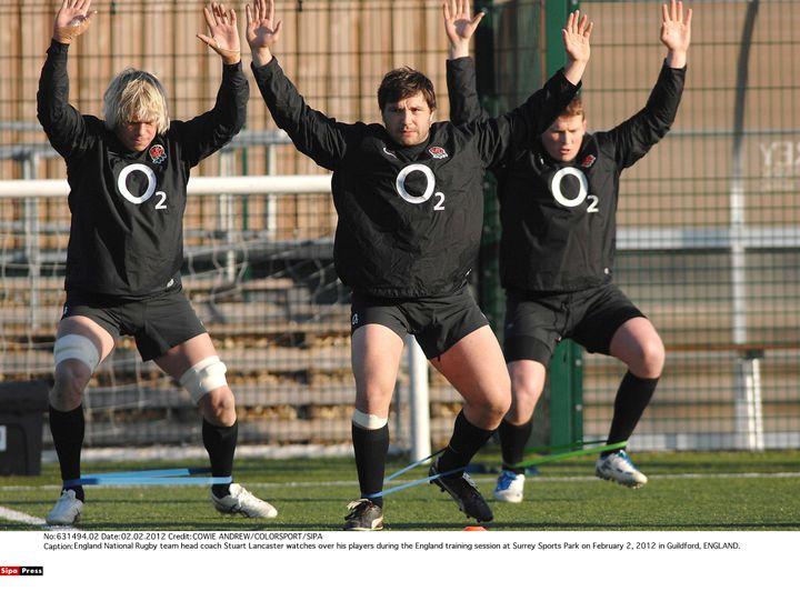 Les rugbymen anglais à l'entraînement, le 2 février 2012 à Guildford (Angleterre). (COWIE ANDREW / SIPA)