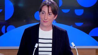 Le Groupe d'experts intergouvernemental sur l'évolution du climat a rencontré une partie des membres de l'Assemblée nationale mercredi 22 septembre. Sophie Szopa, auteure du rapport du GIEC est l'invité du journal de 23 Heures de France Info. (FRANCEINFO)