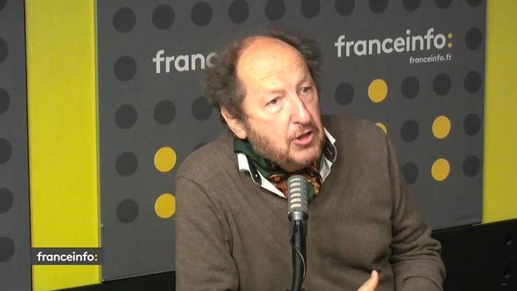 François Jost. Sémiologue. (CAPTURE D'ECRAN DAILYMOTION)