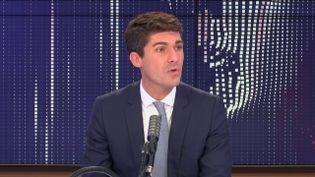 """Aurélien Pradié,secrétaire général Les Républicains, député du Lot, était l'invité du """"8h30 franceinfo"""", mercredi 14 octobre 2020. (FRANCEINFO / RADIOFRANCE)"""
