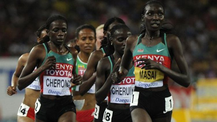 Les trois kenyanes, Sally Kipyego devant Vivian Cheruiyot et Linet Masai