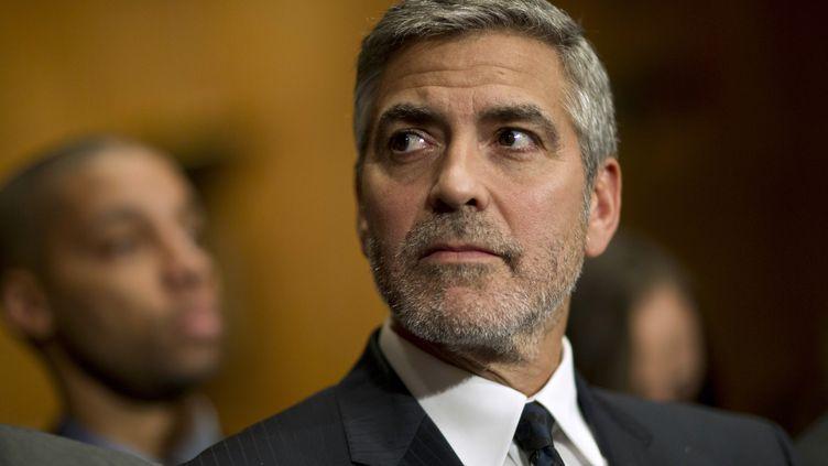 George Clooney, le 14 mars 2012 à Washington, devant une commission du Sénat américain. (BENJAMIN MYERS / REUTERS)