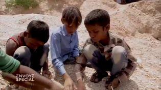 Travail des enfants en Inde : les petits forçats du mica (ENVOYÉ SPÉCIAL  / FRANCE 2)