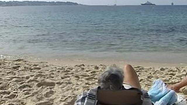 Les plages de Juan-les-Pins prises d'assaut