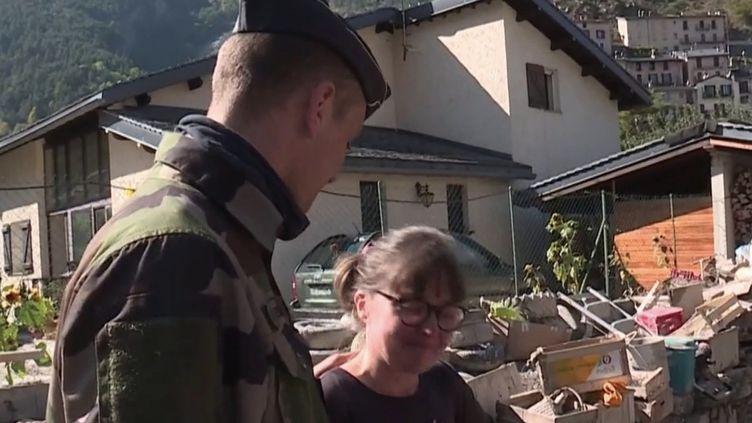 Gendarme à Tende. (FRANCEINFO)