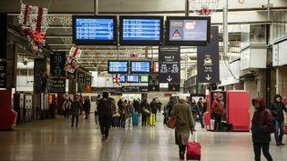 La gare Montparnasse au premier jour de la grève contre la réforme des retraites, le 5 décembre 2019. (HUGO PASSARELLO LUNA / HANS LUCAS / AFP)