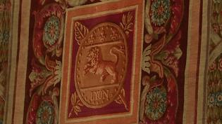Une des pièces rares sortie des réserves du Musée des Tissus de Lyon  (France 3 / Culturebox)