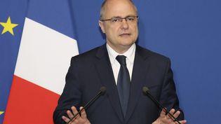 Bruno Le Roux lors de l'annonce de sa démission du ministère de l'Intérieur le 21 mars 2017 à Paris. (JACQUES DEMARTHON / AFP)