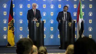 Le président allemand Frank-Walter Steinmeier et le Premier ministre soudanais Abdallah Hamdok, le 27 février 2020, lors d'une rencontre préparatoire à la conférence des donateurs qui s'est tenue le 25 juin 2020 en visioconférence. (27, 2020. Mahmoud Hjaj / Anadolu Agency)