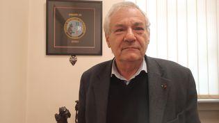 Denis Safran, médecin-chef de la BRI, la Brigade de recherche et d'intervention,a été la première blouse blancheà entrer dans le Bataclan le soir des attentats du 13 novembre 2015. (GAELE JOLY / RADIO FRANCE)