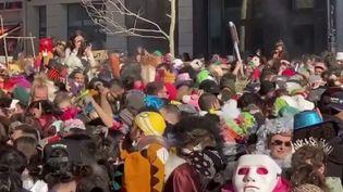 Marseille : un carnaval sauvage rassemble des milliers de personnes en pleine pandémie (France 3)