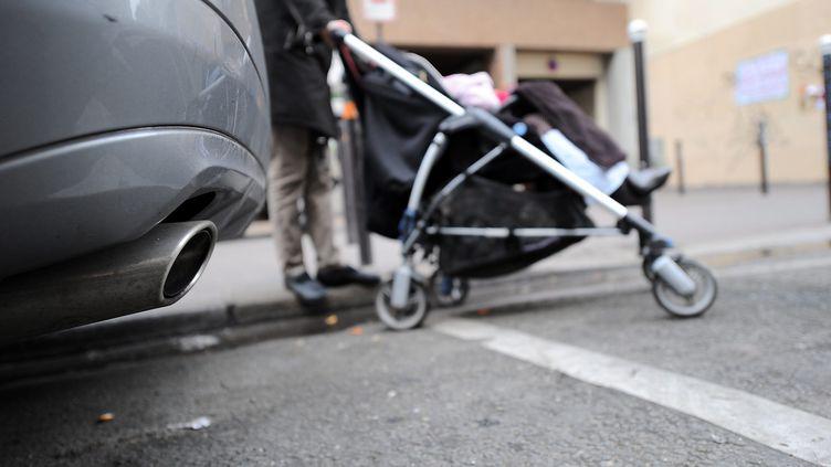 Les enfants sont beaucoup plus exposés à la pollution de l'air, selonl'EPHA. (YANN FOREIX / MAXPPP)