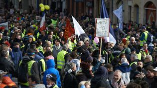 Plus de 10 000 manifestants ont défilé à Toulouse (Haute-Garonne), lors du 10e samedi de mobilisation, le 19 janvier 2019. (ALAIN PITTON / NURPHOTO / AFP)