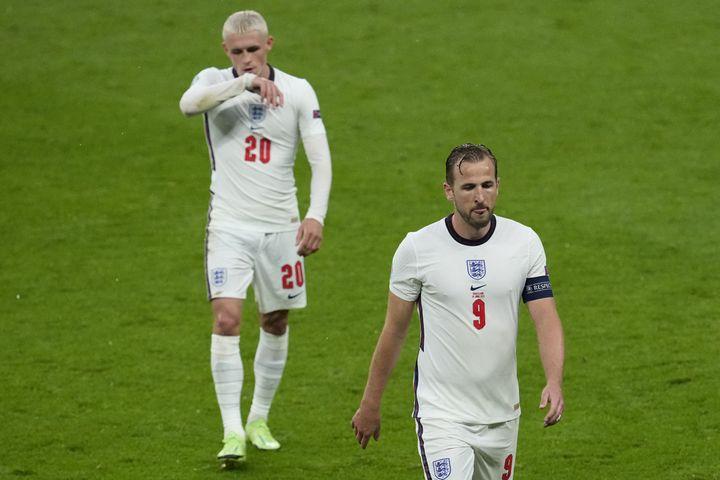 Phil Foden et Harry Kane (de gauche à droite) contre l'Ecosse, à Wembley, vendredi 18 juin. (MATT DUNHAM / POOL / AFP)