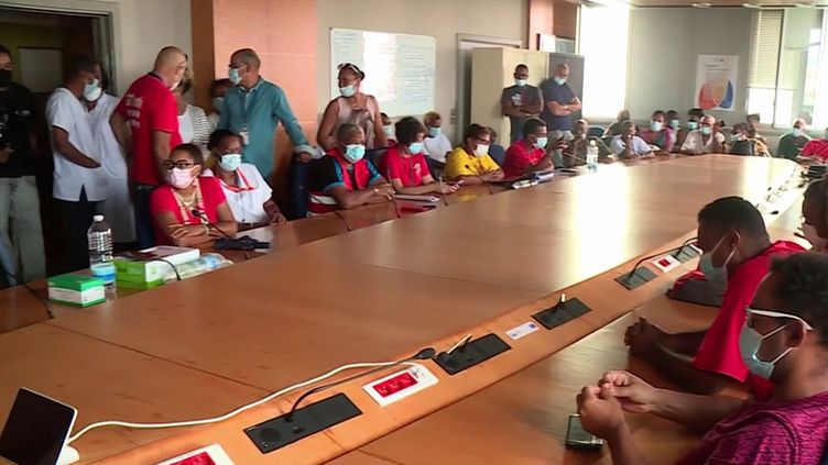 Martinique : la mobilisation des anti-pass sanitaire prend de l'ampleur dans les hôpitaux. (FRANCE 3)