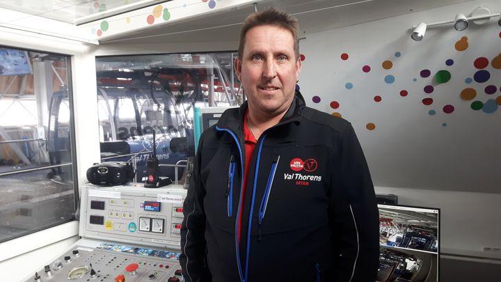 Franck Feyeux, le chef opérateur,contrôle les 34 télécabines de Val Thorens. (SEBASTIEN BAER / RADIO FRANCE)