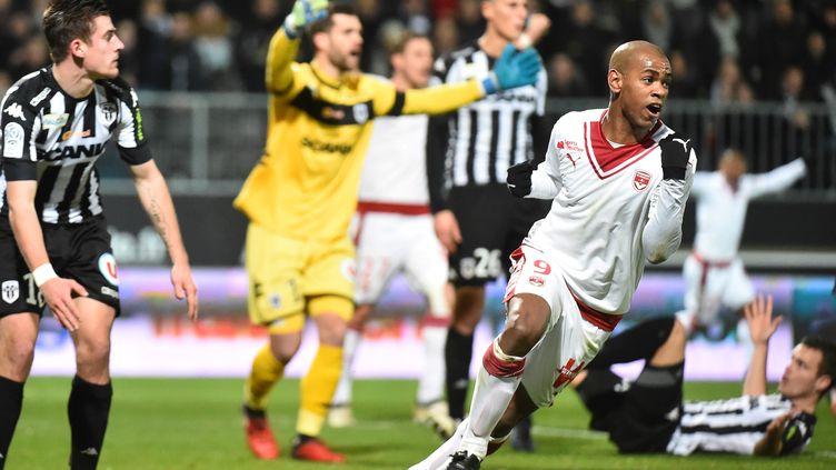 Diego Rolan célèbre mais c'est bien Baptiste Santamaria qui avait marqué contre son camp lors de la dernière opposition (1-1). (JEAN-FRANCOIS MONIER / AFP)
