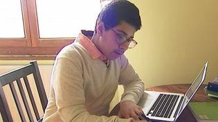 Aujourd'hui, à 13 ans, Amir Fehri est sur le point de publier son deuxième ouvrage. (FRANCE 3)