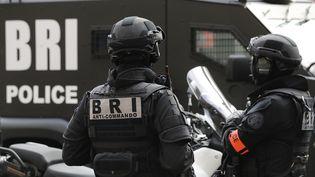 Des membres de la Brigade de recherches et d'intervention (BRI)à la Préfecture de police à Paris, le 1er septembre 2017 (photo d'illustration). (PATRICK KOVARIK / AFP)