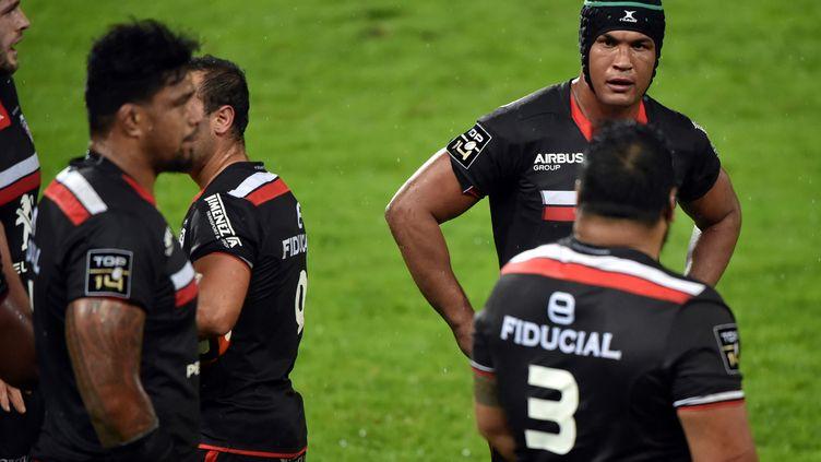 Thierry Dusautoir et Stade Toulousain en plein doute (REMY GABALDA / AFP)