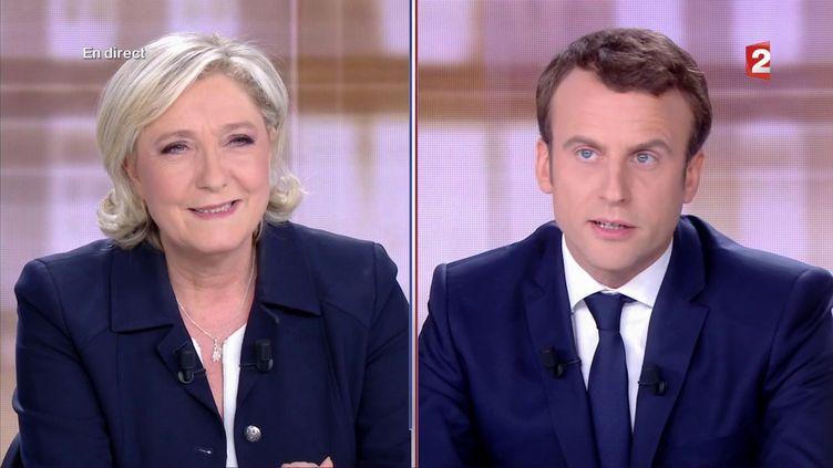 Marine Le Pen et Emmanuel Macron lors du débat d'entre-deux-tours, le 3 mai 2017 sur France 2. (FRANCE 2)