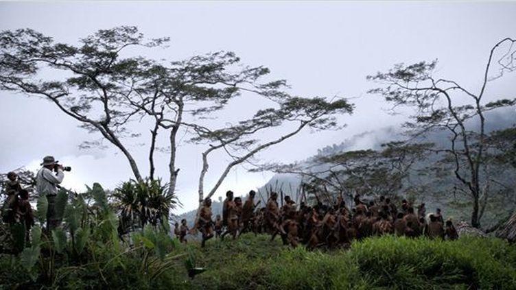 """Extrait du film """"Le sel de la Terre"""" de Wim Wenders et Juliano Ribeiro Salgado  (Le Pacte)"""
