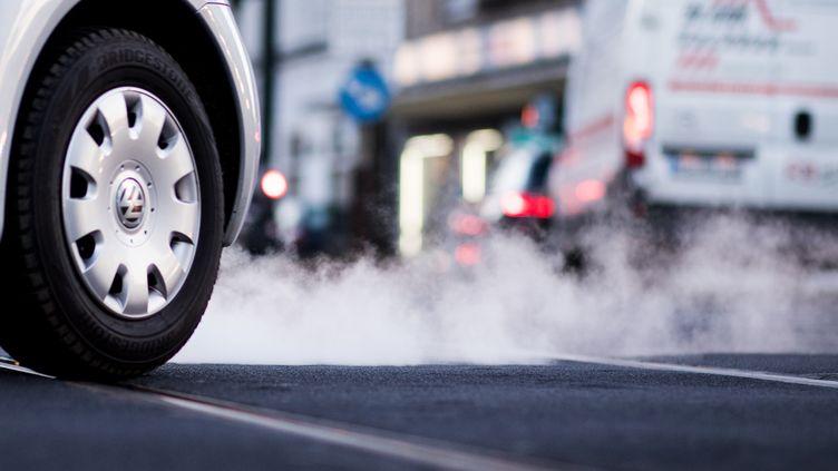 Les véhicules diesels émettent des oxydes d'azote, des particules fines et du CO2, qui mettent en danger notre santé et la planète. (DPA PICTURE-ALLIANCE / AFP)