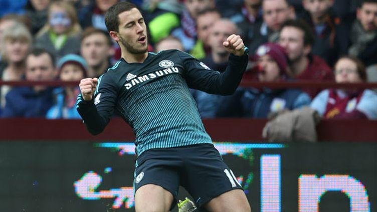 Le milieu de terrain de Chelsea, Eden Hazard